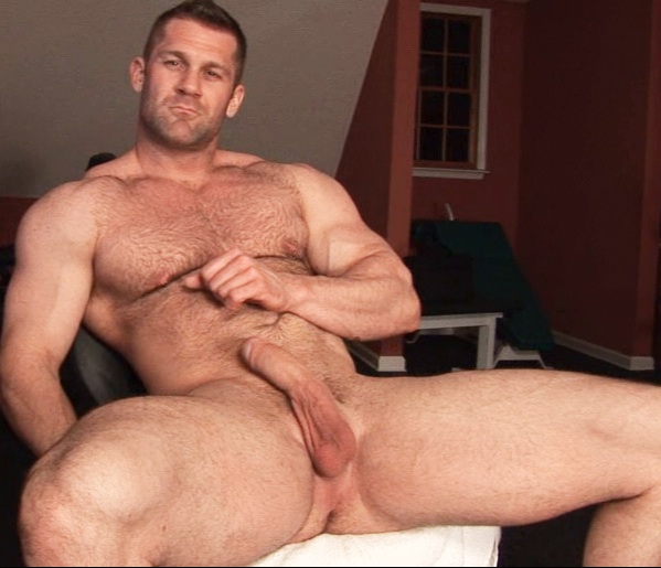 Muscle daddy nude