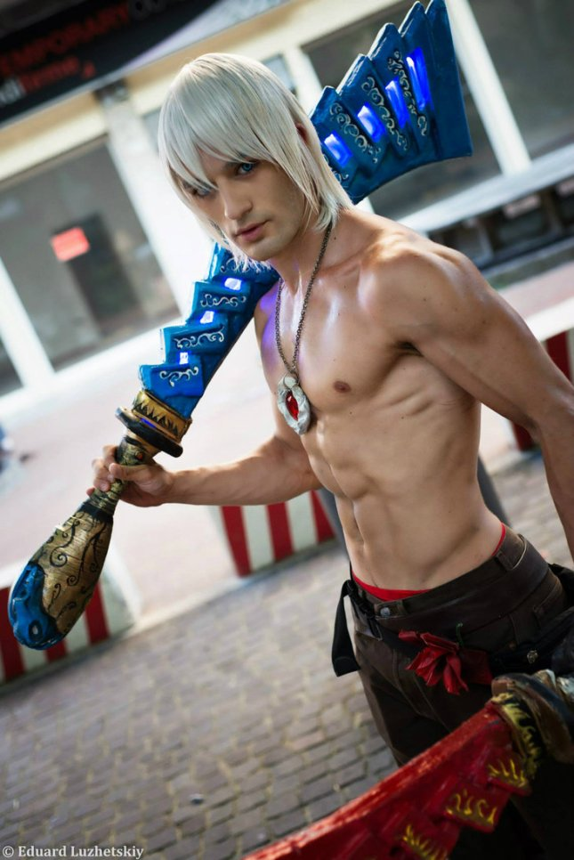 Dante Cosplay by Leon Chiro in Rimini Comix 2013 by Leon Chiro Cosplay Art