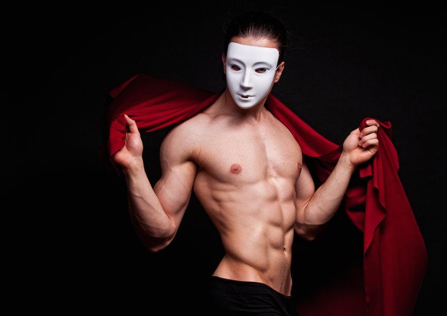 Картинки голые парни в масках — photo 13